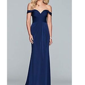 Faviana navy gown NWT size 12